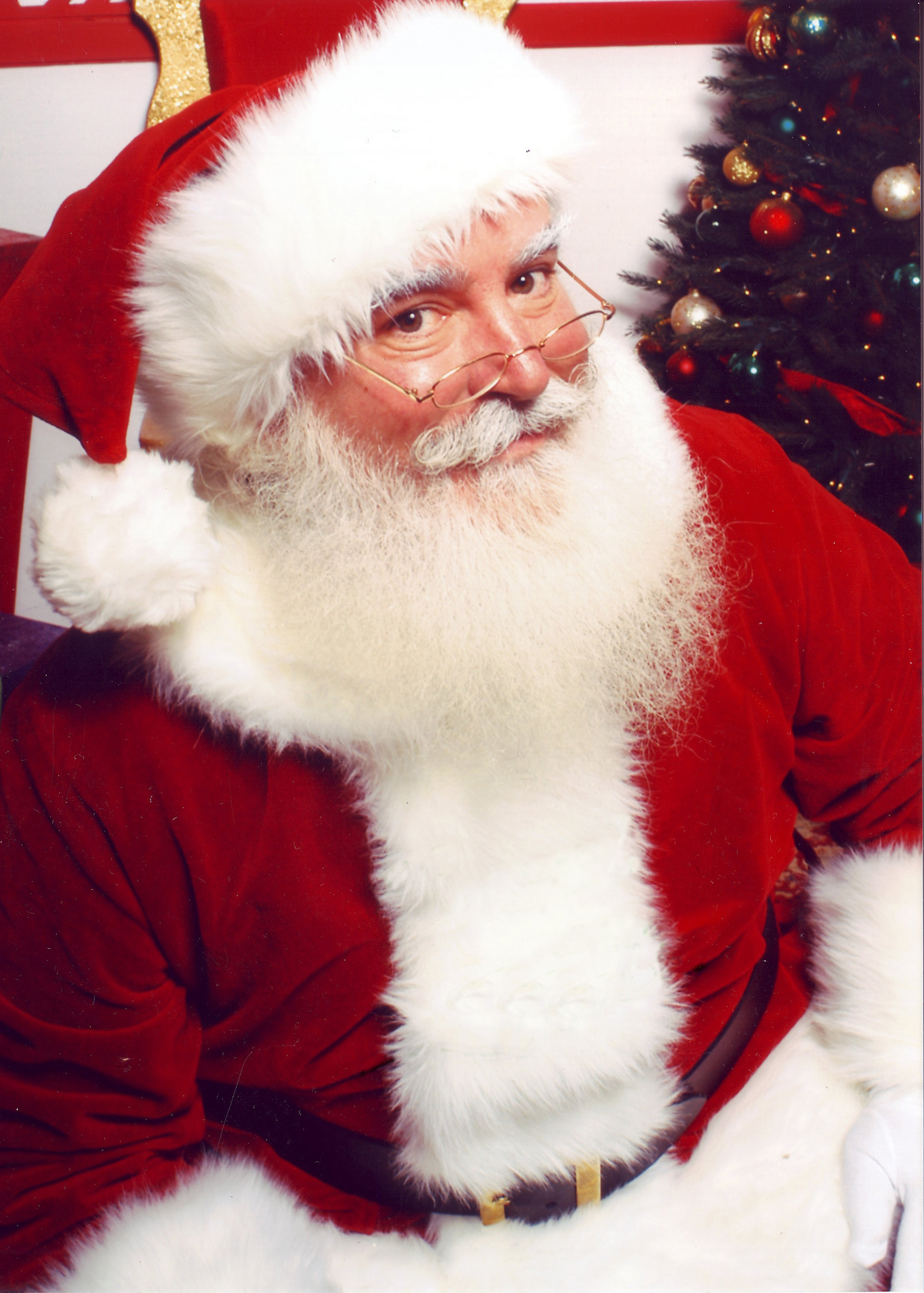 Jonathan G Meath portrays Santa Claus 14 Christmas Traditions For Your Family